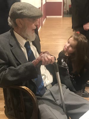 James Dacey with great-niece Anna Dacey In 2019.