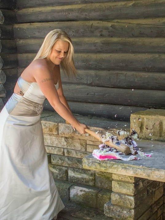 Iowan S Divorce Photo Shoot Goes Viral