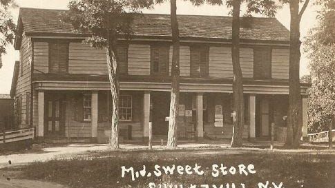 A historic photo of the M.V. Sweet Store in Schultzville from 1907.