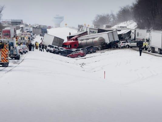 LDN-MKD-011316-accident-Lebanon-