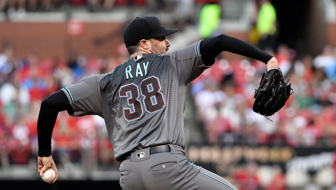 Jul 28, 2017: Arizona Diamondbacks starting pitcher Robbie Ray (38) pitches during the first inning against the St. Louis Cardinals at Busch Stadium.