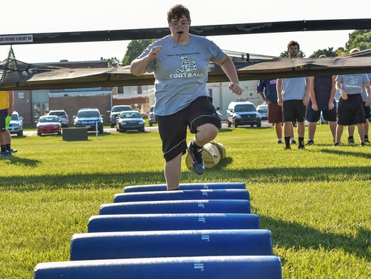 James Buchanan's Nathan Walls in the lineman challenge