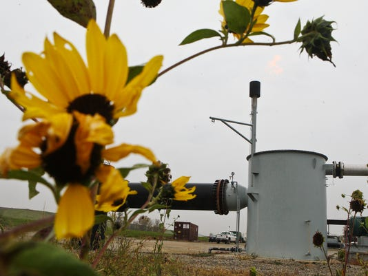 TITLE: U OF L MAY GET ENERGY FROM LANDFILL'S METHANE