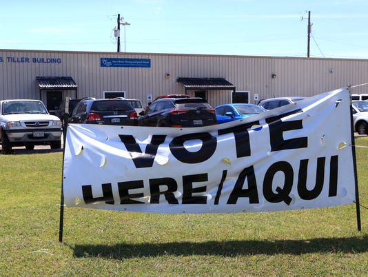 100835772-NS-early-voting07.JPG