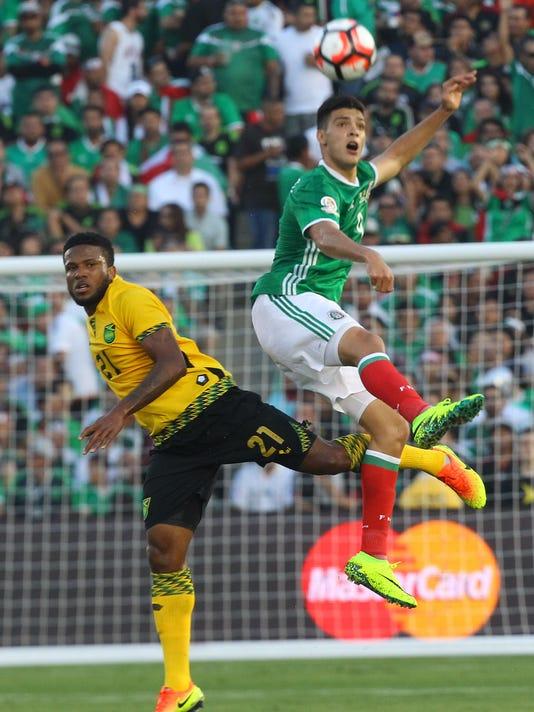 636011153763595364-Mexico-Copa-AmericaA.JPG