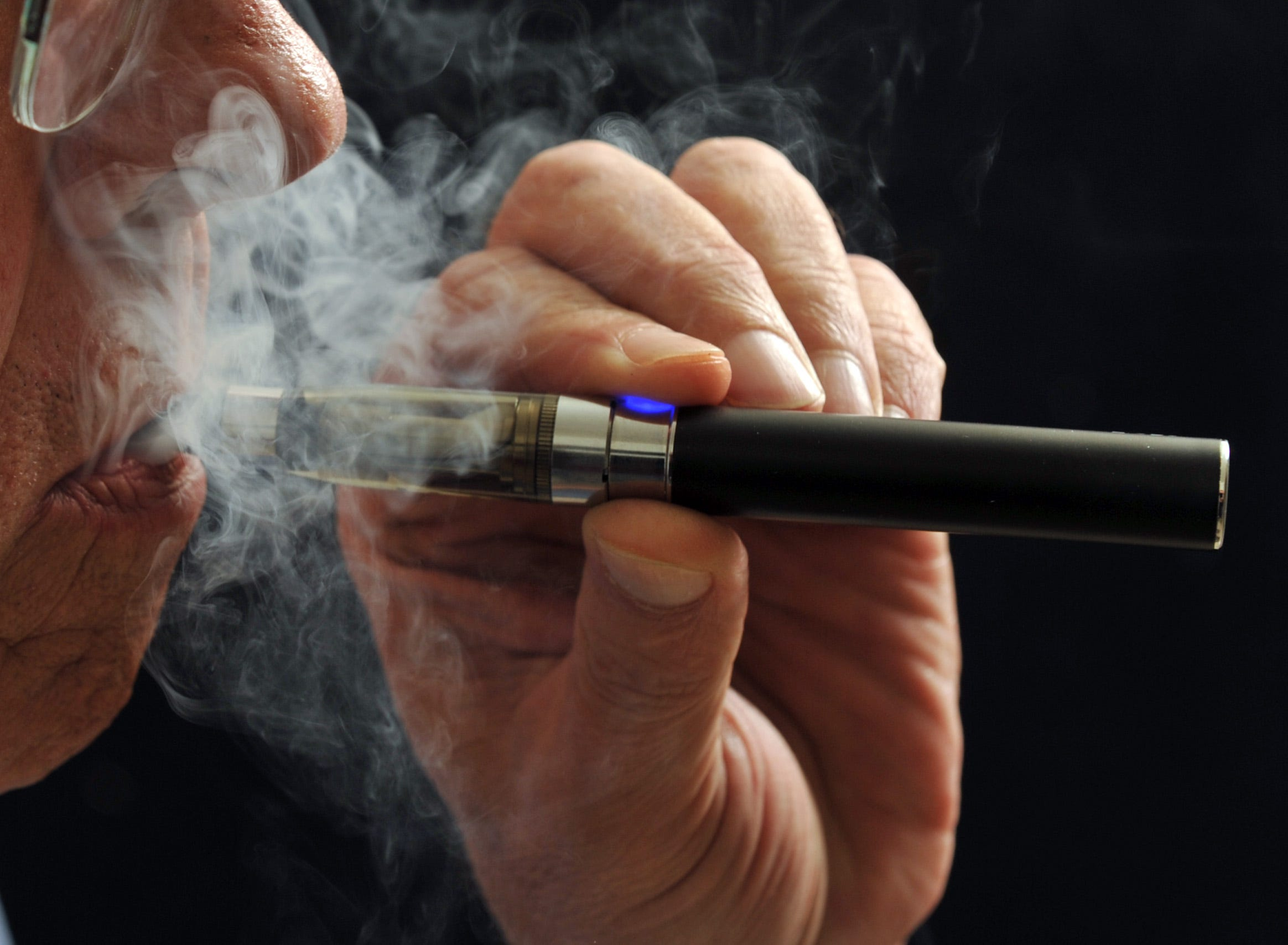 What retailers sell electronic cigarettes