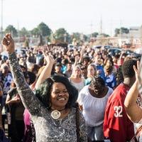 8b107371c48 Nordstrom Rack holds grand opening in East Memphis