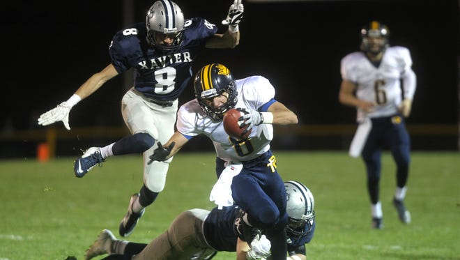 Iowa City Regina receiver Nate Stenger (8) will be key to defending the Class 1A title against a crowded field of contenders.