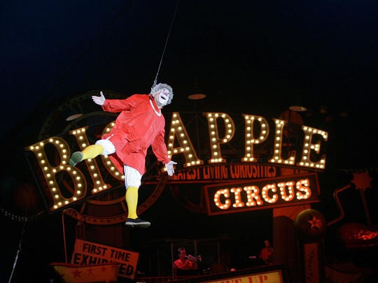 "Barry Lubin, as "" Grandma,"" performing in the Big Apple Circus in Boston. Lubin resigned from the Big Apple Circus following accusations that he pressured a 16-year-old aerialist to pose for pornographic photos."