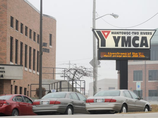 635966761079620787-YMCA-sign-and-building.jpg