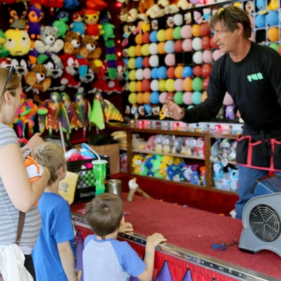 Manitowoc County Fair cruises into weekend