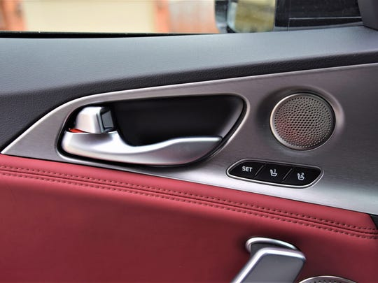 Kia Stinger door details.