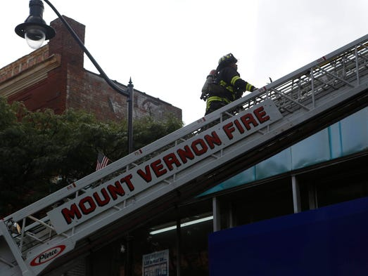 Mount vernon building furniture store damaged by fire for Home goods in yonkers