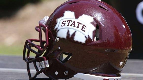 Mississippi_State_football_helmet_t670