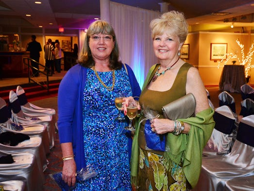 Peg Minnich and Bobbie Vandiber at the Pensacola Yacht Club Fashion Show.