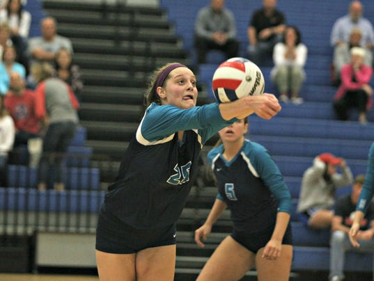 636119908632573001-Siegel-volley2.JPG