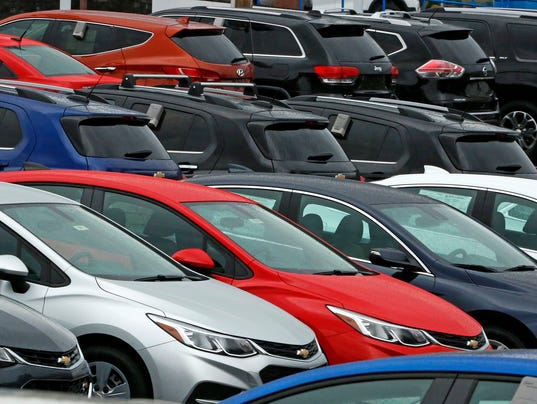 Car Dealerships In Des Moines >> US auto sales fall; GM, Ford post declines