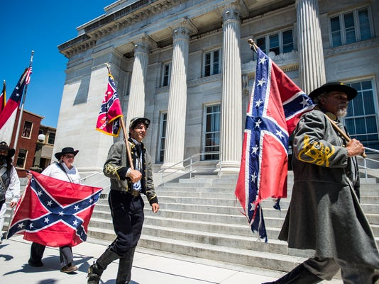 0712-NWS-SD-confederate-rally-12.jpg