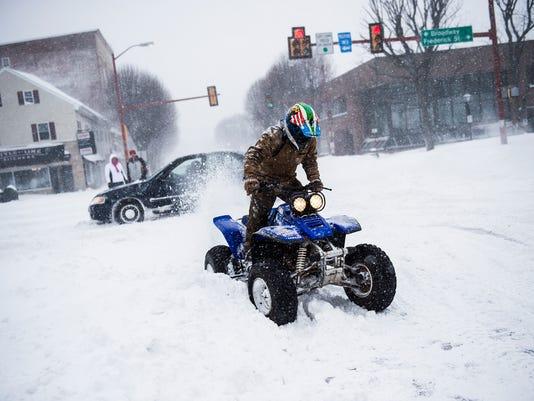 -HES-SD-01232016-snow-storm-23.jpg