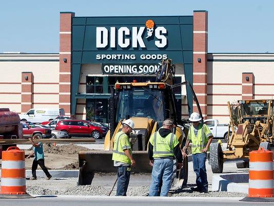 MNI 0922 Dick's.jpg