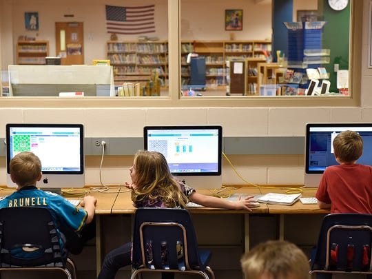 Students take part in a coding exercise during a class at Mississippi Heights Elementary in Sauk Rapids in 2015.