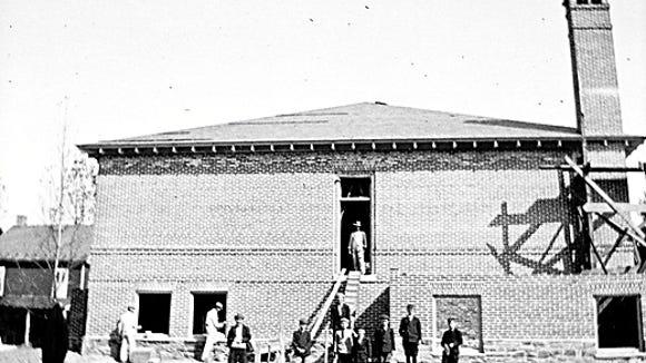 school-circa-1913-2