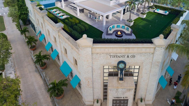 A rendering shows the rooftop terrace of a second-floor condominium planned for the Tiffany Building on Worth Avenue and priced at $17.5 million. Final details of the rooftop terrace could vary from those depicted in the rendering, according to Douglas Elliman Real Estate agents.