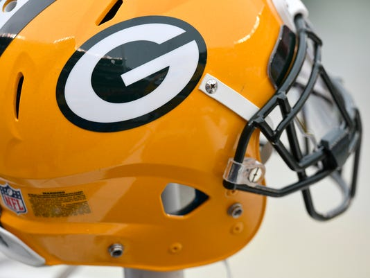 636523299033487153-packers-helmet-ap.jpg