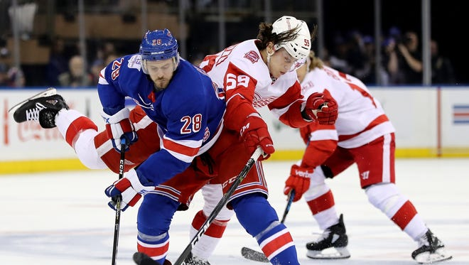 Tyler Bertuzzi has worked his way onto a top-two line and the power play. He's a good example for Red Wings prospect Evgeny Svechnikov.
