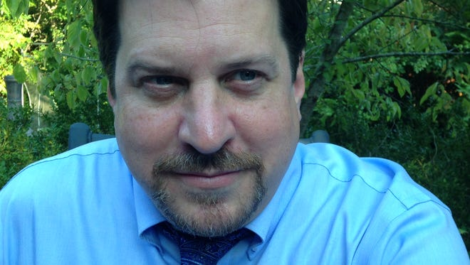Scott Keepfer - Sportswriter / Columnist / The Greenville (S.C.) News