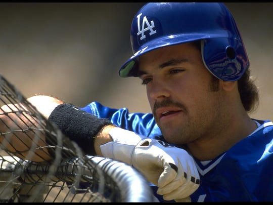 Mike Piazza of the Los Angeles Dodgers was the NL Rookie of the Year in 1993.