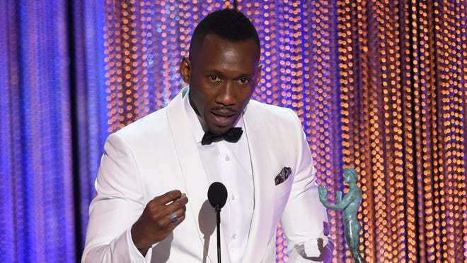 Mahershala Ali encouraged the audience to overlook disparities at the SAG Awards.