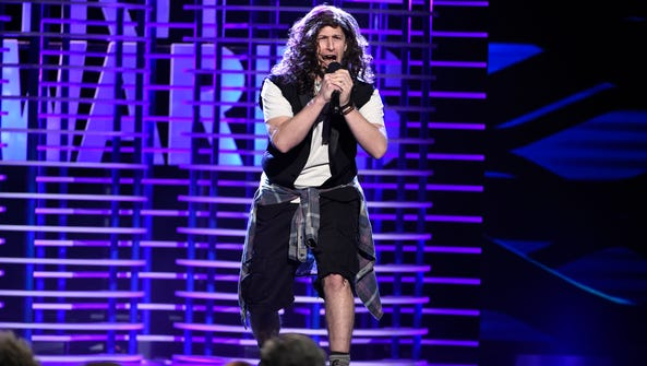 Andy Samberg sings a parody of Pearl Jam's 'Alive'