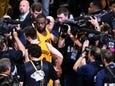 Andre Iguodala, Warriors bounce back to even series with Cavs 2-2