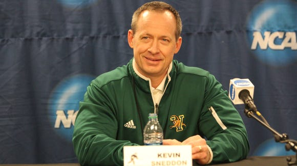 UVM coach Kevin Sneddon saw prospect Alexandre Coulombe decommit from the team.