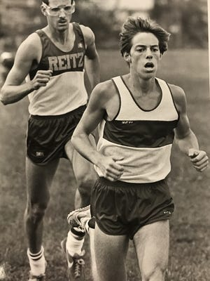 Mater Dei's Jim Kaiser won the 3,200 meters at the state track meet in 1987.