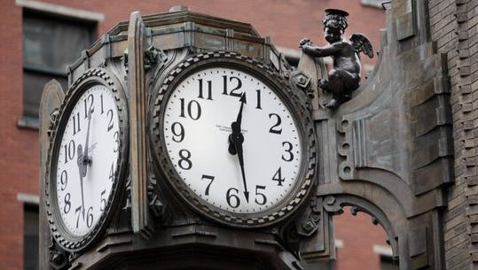It's unknown when the L.S. Ayres clock at East Washington and South Meridian streets stopped working.