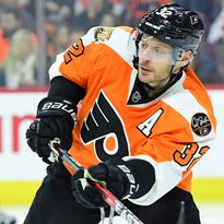 As rumors swirl, Flyers want Hextall to stand pat again