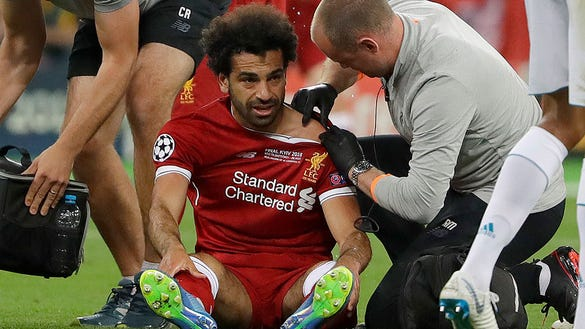 Liverpool star Mohamed Salah suffers heartbreaking injury in Champions League final