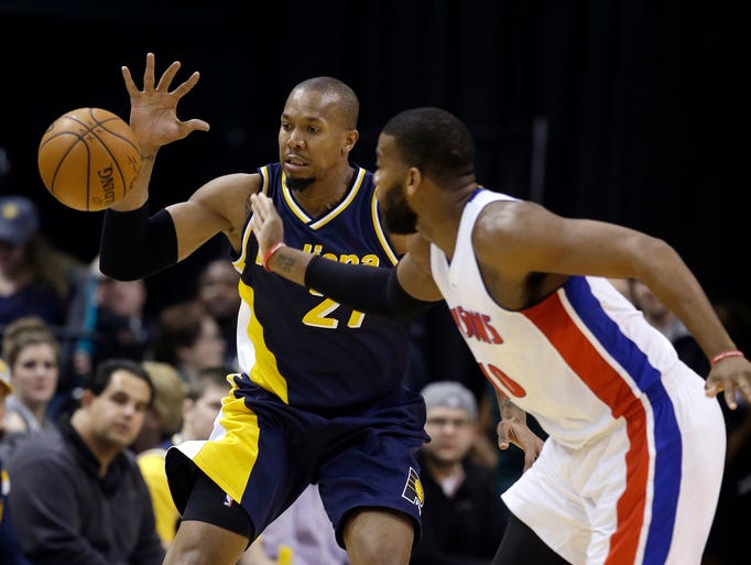 Indiana Pacers' David West (21) and Detroit Pistons'
