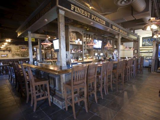 Tim Finnegan's Irish Restaurant & Pub in Phoenix is filled with Jets fans weekly.