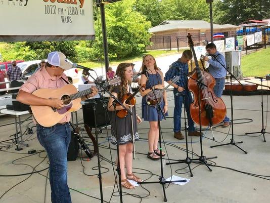 bluegrass-Left-Lane.jpg