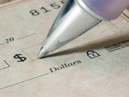 Biz writing check amount