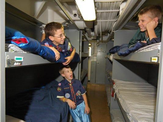 -Battleship_New_Jersey_Encampement_-_Boy_Scouts_in_Berthing.jpg_20090811.jpg