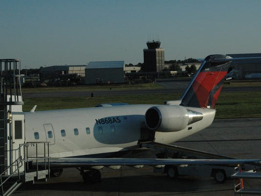airport pix 2014 045.JPG