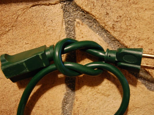 03.15.15 - Extension Cord Square Knot.JPG