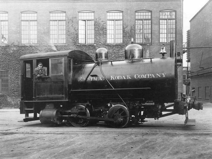 Kodak Park engine in 1920's. (EK PR photo, 10/1991)