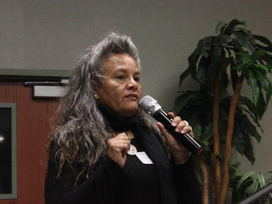 Ward 1 city council candidate Lisa Anaya Flores addresses