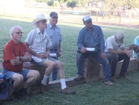 La Huerta residents attend a neighborhood meeting about