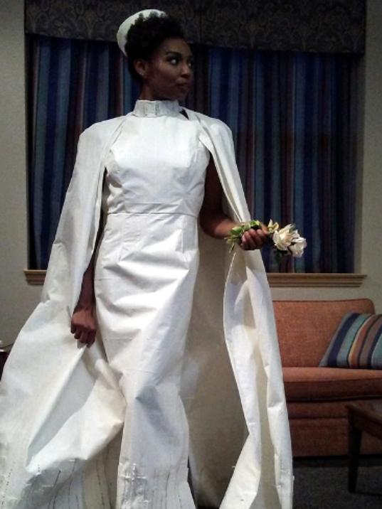 Toilet-paper gown designer falls short
